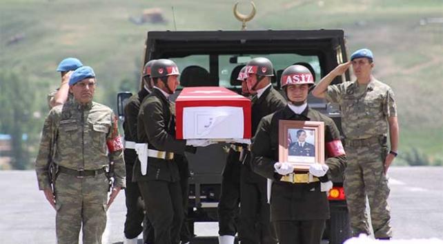 Şehit Yüzbaşı Üçözün cenazesi memleketine uğurlandı