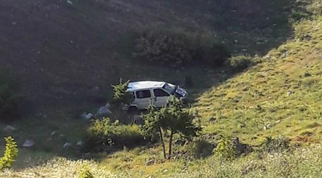 Otomobil su kanalına düştü: 2 ölü
