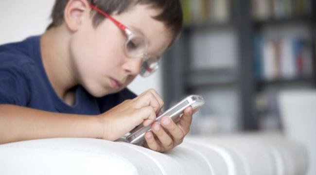 Akıllı cihazların çocuklar üzerindeki tehlikesi