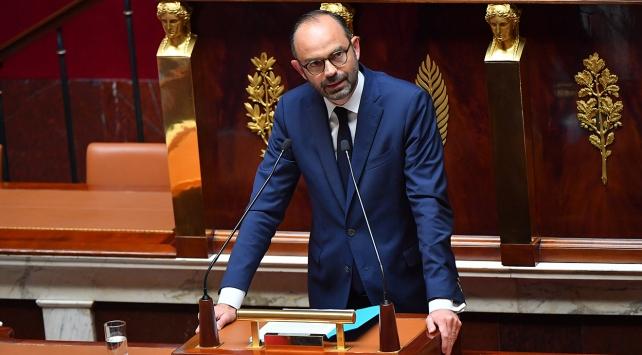 Fransada hükümet güvenoyu aldı