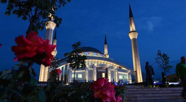 15 Temmuzda 90 bin camide minarelerin ışıkları sönmeyecek
