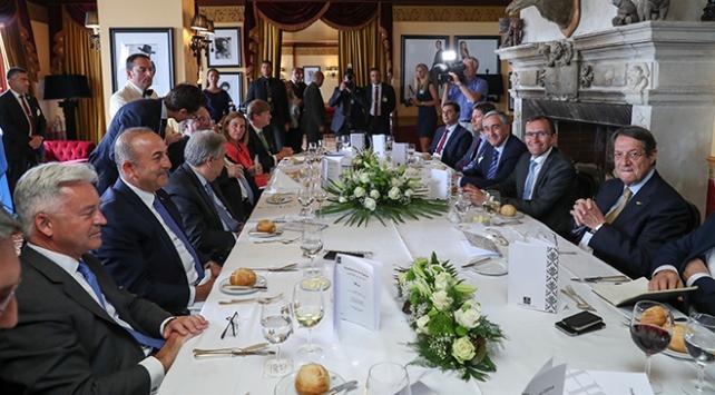 Kıbrıs Konferansında 9. gün