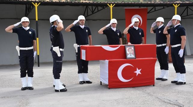 Şehit polis için tören düzenlendi