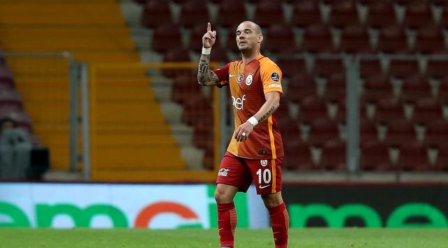 """Galatasaraydan bir """"yıldız"""" kaydı"""