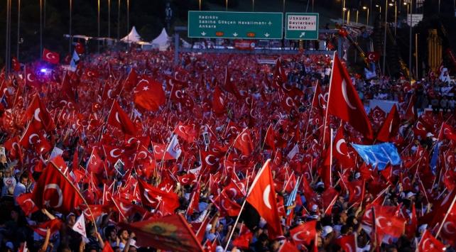 İstanbul demokrasi nöbetinde