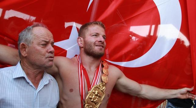 Tarihi Kırkpınar Yağlı Güreşlerini Balaban kazandı