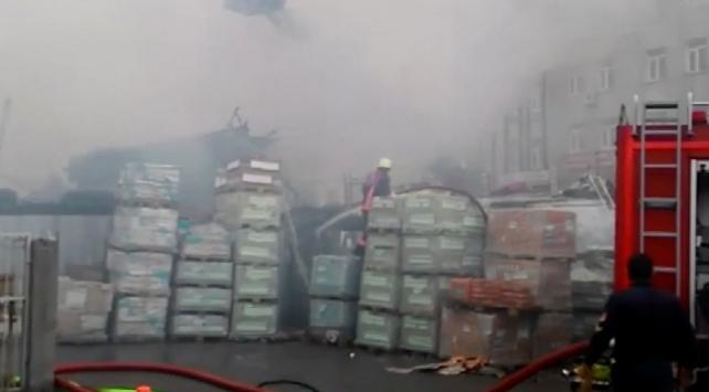 İstanbul Ümraniyede yangın