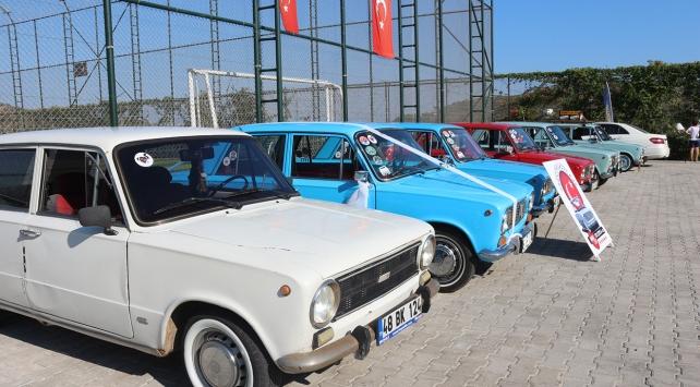 Klasik otomobil tutkunları Bodrumda buluştu