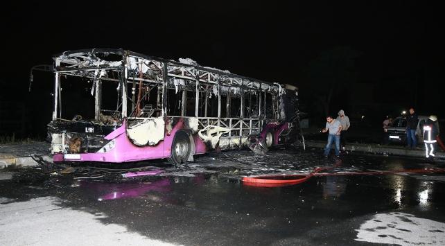 İstanbulda İETT otobüsünde yangın