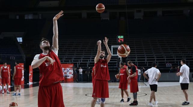 Basketbolda Avrupa Şampiyonası mesaisi başladı