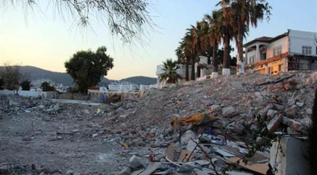 Bodrumun 38 yıllık eğlence mekanı yıkıldı