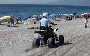 Antalyadaki ünlü sahiller ATV motorlu polislere emanet