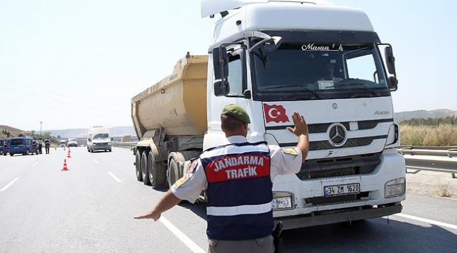 Jandarma hafriyat kamyonu denetimi yaptı