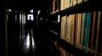 Asırlık kütüphane kitap kolileriyle doldu