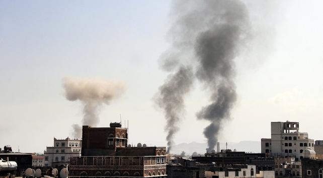 Yemende çatışma ve hava saldırıları: 26 ölü