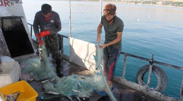 Vanda balıkçılar sezonu açtı