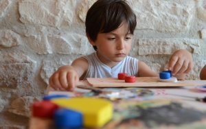 Çocuklar hayallerindeki oyuncakları üretiyor