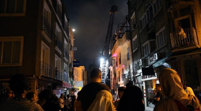 İstanbul Fatihte otel yangını