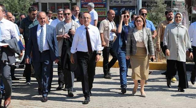 Başbakan Yardımcısı Şimşek Gaziantepli esnafı ziyaret etti