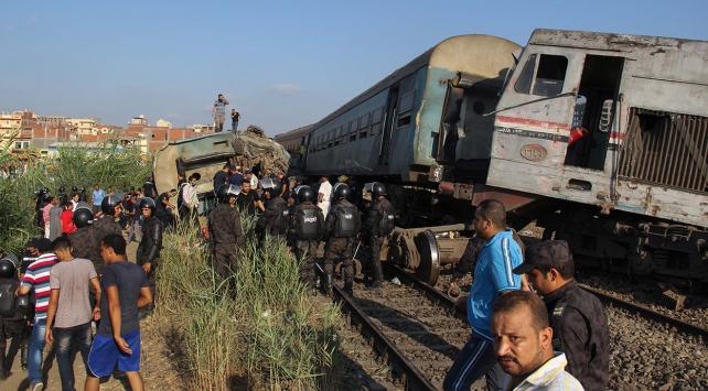 Mısırda iki tren çarpıştı