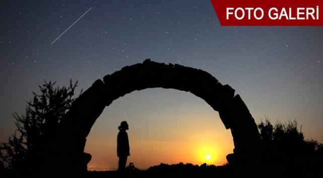 Perseid meteor yağmuru antik kentten görüntülendi