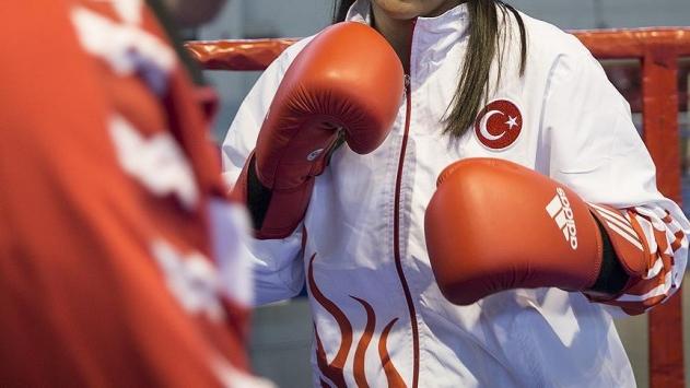 Kadın boksörlerden Türkiyeye 3 altın madalya