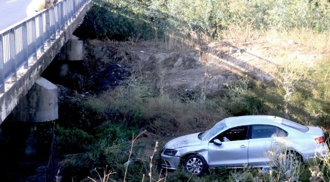 Aydında bir otomobil köprüden uçtu: 4 yaralı