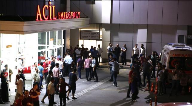 İstanbulda polise saldırı: 1 şehit