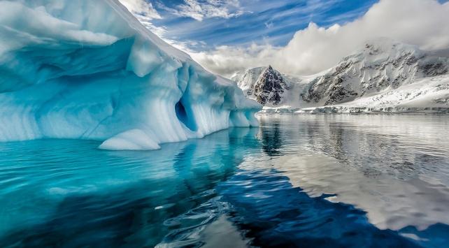 Antarktikadaki buzulların altında yanardağ olduğu tespit edildi
