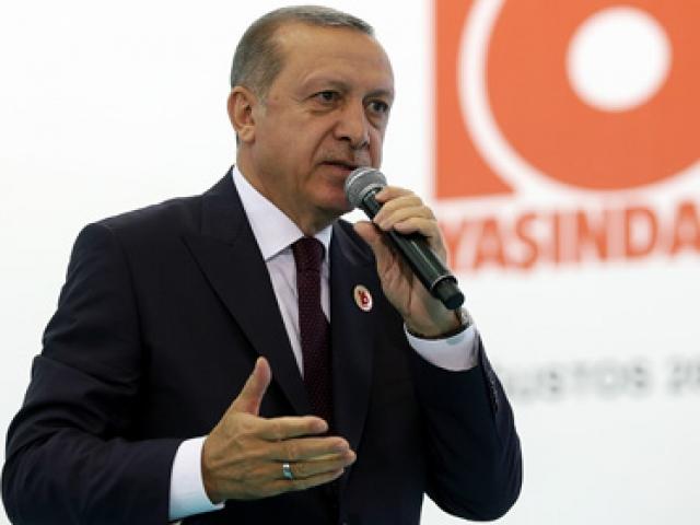 Cumhurbaşkanı Erdoğan: AK Partiyi şikayet etmekle iktidar olamazsın