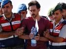 'Hero' yazılı tişört giyen darbecinin avukatı tutuklandı