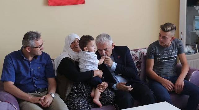 Başbakan Yıldırımdan 15 Temmuz şehidi Cantürkün ailesine ziyaret