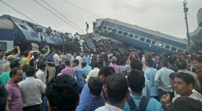 Hindistanda tren faciası