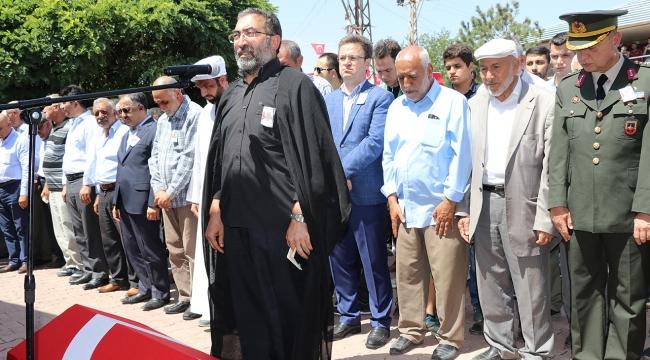 Bursada imam baba kendi oğlunun cenaze namazını kıldırdı