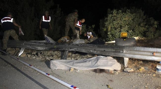 İşçileri taşıyan pikap devrildi: 2 ölü 4 yaralı