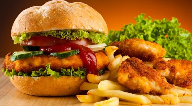 Fast food tüketenler dikkat! Kanser riskini artırıyor!