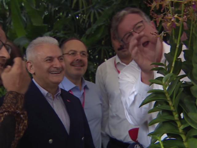 Başbakan Yıldırım, Singapurda Orkide Bahçesini ziyaret etti.