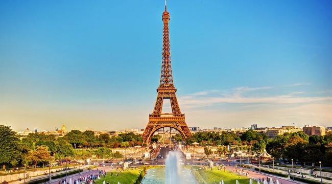 Parise turist rekoru! 16 milyon kişi gitti