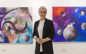 Türk sanatçıdan Londrada Kainatın Zerreleri sergisi
