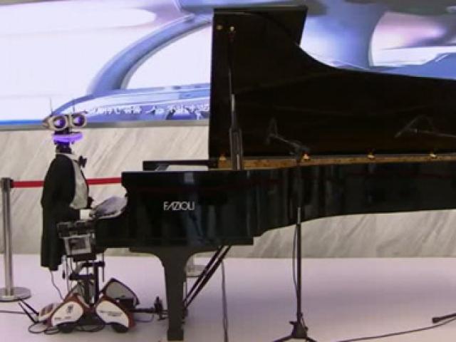 Bu da piyanist robot
