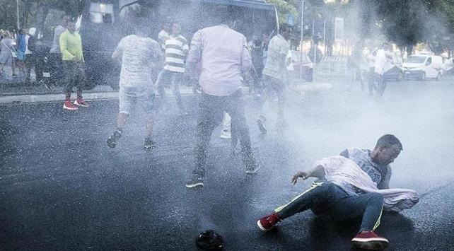 İtalyan polisinden göçmenlere sert müdahale