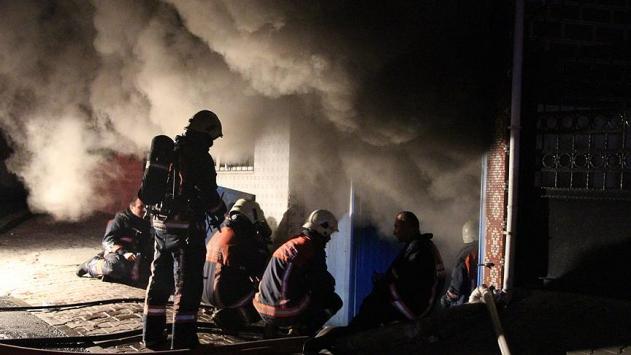 Bağcılarda kumaş üretim atölyesinde yangın