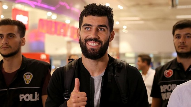 Luis Neto, Fenerbahçe için İstanbulda