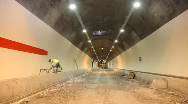 Dünyanın en uzun ikinci tüneli Ovitte sona yaklaşıldı