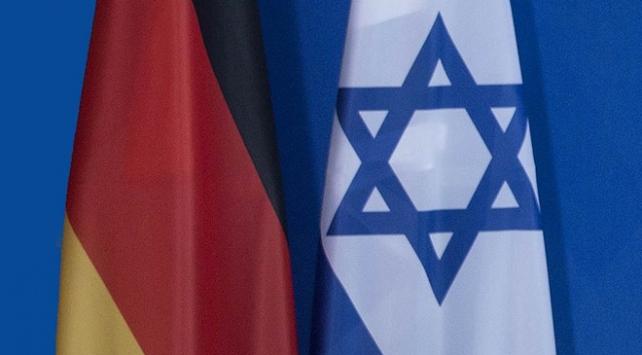 Almanya-İsrail denizaltı anlaşmasında yolsuzluk iddiası