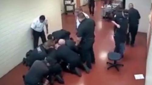 15 gardiyan 1 mahkum ile baş edemedi