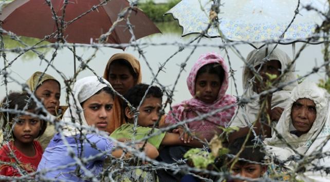 Myanmar hükümeti Bangladeşe geçişleri engelliyor