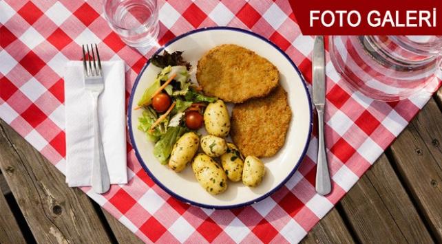 Dünyada çalışan insanlar öğle yemeğinde en çok ne yiyor?