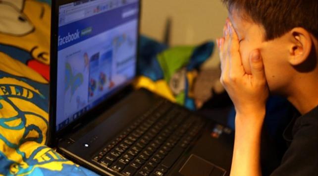Fazla Sosyal Medya Kullanımı Mutsuzluk Getiriyor