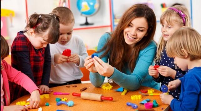 Okulun ilk günleri çocuğunuzu yakından izleyin